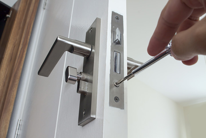 Our local locksmiths are able to repair and install door locks for properties in South Croydon and the local area.